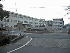 式下中学校