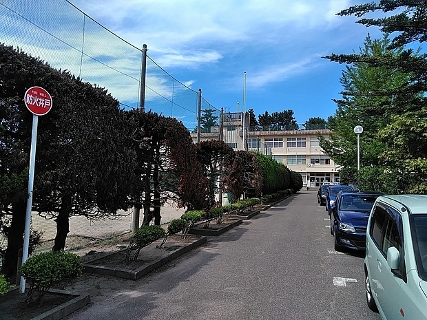 内野中学校 徒歩 約13分(約1000m)