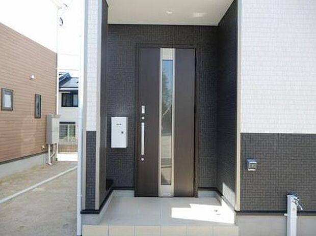 写真は同施工会社のものです。隣戸や階下への音漏れや振動が気になるご家庭には一戸建てがおすすめです。