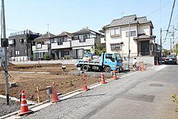 第一種低層住居専用地域のため閑静な住宅街となっています