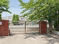 中学校まで320m、青井中学校
