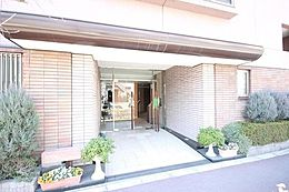 (アクセス)都営三田線「蓮根」駅まで徒歩9分の住環境。