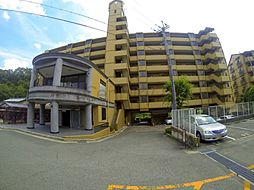 兵庫県川西市石道字下ノ垣内の賃貸マンションの外観