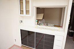 キッチン人気のカウンターキッチンを採用。お子さまの様子を見ながら家事ができて安心ですね。