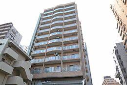 恵比寿駅徒歩8分の外壁タイル張りマンションです。