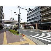 歩道が整備された前面道路