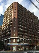 14階建4階部分です。1階部分がコンビニとなっています