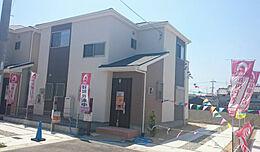 3号棟、現地写真です。毎週土曜日・日曜日・祝日はオープンハウス開催中です。お気軽にお越しください。
