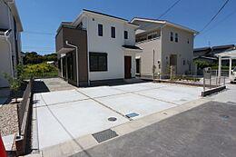 土地面積60.5坪の広々とした敷地。完成済につきお好きな日に内覧可能です。
