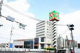 ライフ 平和台店(727m)
