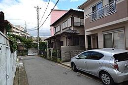 JR「明石」駅徒歩約15分の売土地です。学校は明石小学校・錦城中学校のエリアです。現地(2017年10月3日)撮影