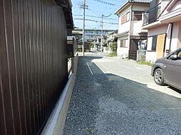 進入路の写真。...