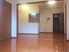 室内大変綺麗です。リフォームやルームクリーニングをしなくてもそのまま住める状態です。