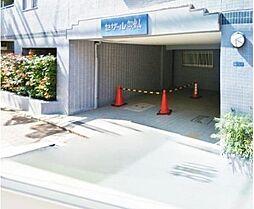 御嶽山2分 平成築 大理石調の玄関に専用庭付きの戸建感覚住戸