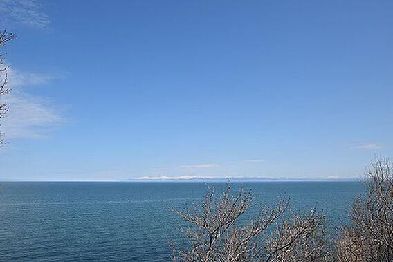 広大な海を一望...