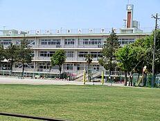 小学校東久留米市立 第六小学校まで880m