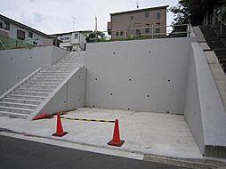 駐車場も造成さ...
