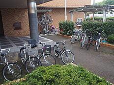 共用部の自転車置き場です。
