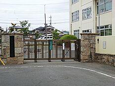 市立第七中学校 1350m