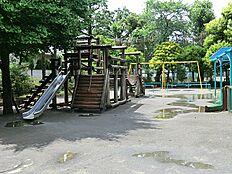 代々木西原公園(約550m徒歩7分)