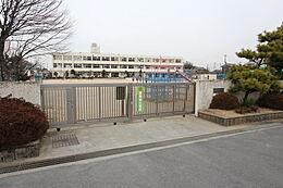 香芝市立三和町学校まで480m