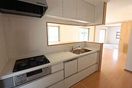 食器洗浄乾燥機付きで家事の負担を軽減