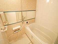 雨の日でも洗濯物が干せる浴室乾燥機付
