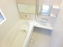 浴室は1坪に拡...