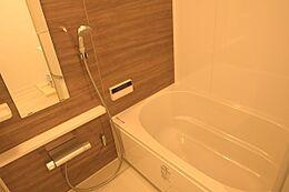 バスルーム/換気乾燥暖房機付きです