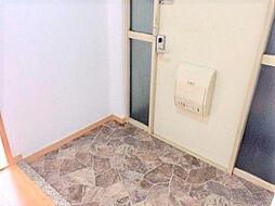 玄関。リノベならではの足場板の靴収納棚など当社でご提案することもできます。H30.11月