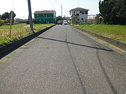 前面道路です