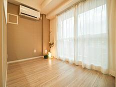 12階部分、風通りの良い角部屋でさわやかな風が入り込みます