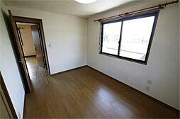 2階北西の洋室...