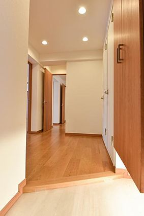 室内廊下。