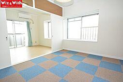 南向きの洋室はカーペットです。