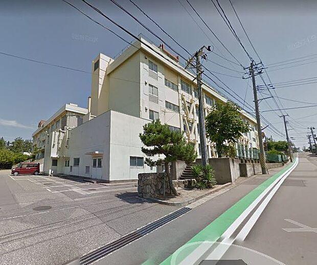 松浜中学校申請により就学可能 徒歩 約27分(約2100m)