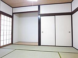 1階6帖和室は...