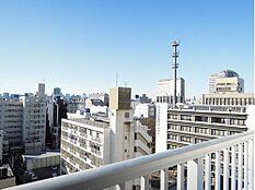 「バルコニーからの眺望」10階部分のため、眺望も良好です。