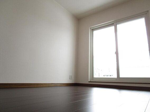 2階6帖洋室床...