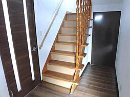 階段。天井のク...