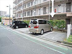 敷地内駐車場有(要確認)