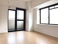 居室 どこにいても明るさを感じられる、2面採光で風通しも良く心地良い暮らしができる住まい。
