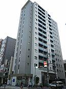JR山手線「上野」駅徒歩5分、2駅3路線利用可能なアクセス。平成28年1月築の築浅マンションで、地上15階建ての14階南向き角住戸です。設計・建設住宅性能評価取得済み。