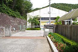青山幼稚園 約1430m