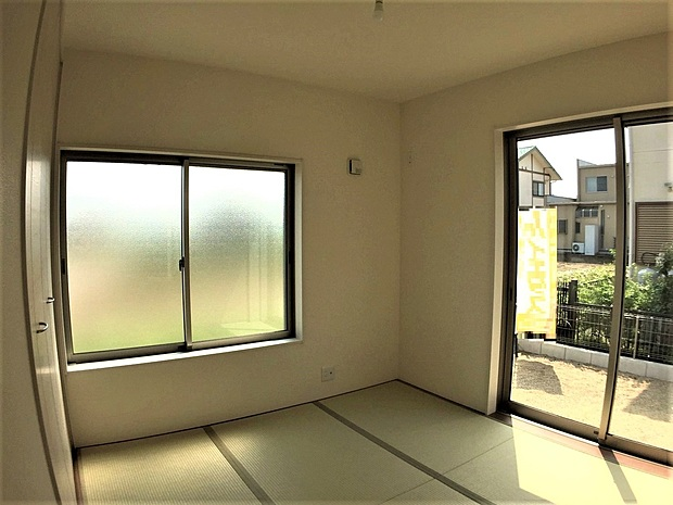 1階の和室は落ち着いた空間になっており、客間にもお子様のお昼寝スペースにも様々な使い方ができそうです。