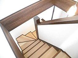 階段はクロスや...
