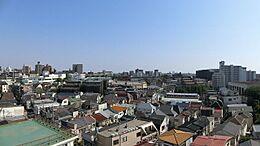 9階からの眺望です。空気の澄んだ天気の良い日には富士山が望めます。