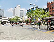 田町駅(現地まで1040m)