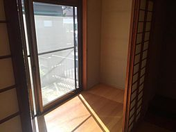 広縁は室内物干しスペースなど様々に活用できそうです