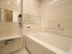 浴室換気乾燥暖房機付で雨の日のお洗濯にも大活躍また寒い日も嬉しい暖房機能付き